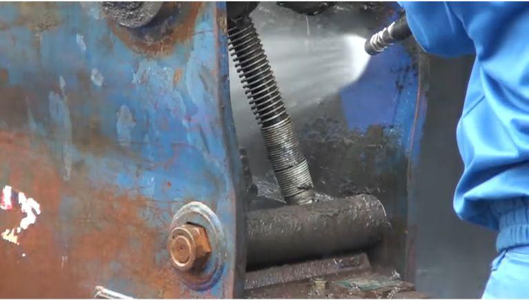 油圧ブレーカの洗浄