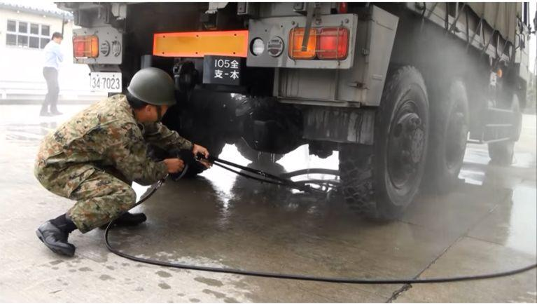 大型車両下部洗浄