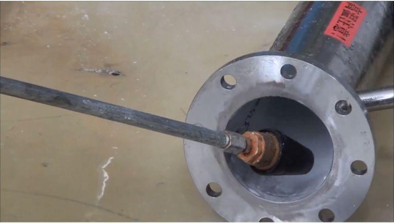 資材生産工場の薬剤乾燥機配管洗浄