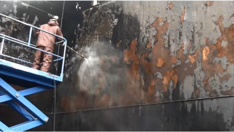 船舶修繕の洗浄作業