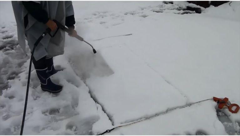 温水高圧洗浄機で雪を溶かしてみました