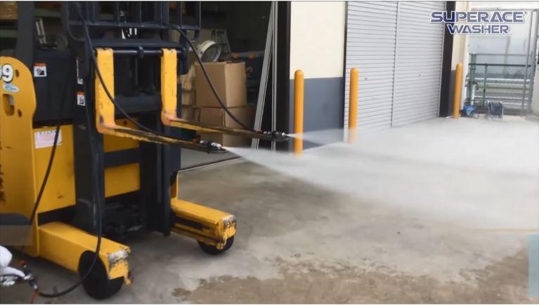 高圧洗浄機による粉塵対策